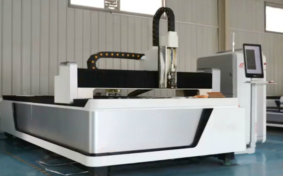 500W Metal CNC Fiber Laser Cutting Machine With Ipg / Maxphotonics Laser Source